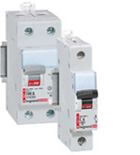 DX circuit-breakers and rcds